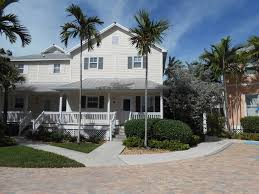 dutch west indies estate tropical exterior miami coral hammock tropical 3 bedroom home homeaway stock island