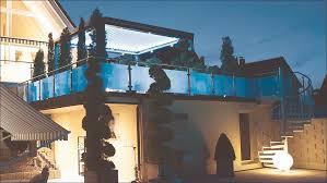 pergola balkon pergola als terrassenüberdachung auf balkon mit sonderbefestigung