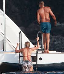 Jay Z Diving Memes - bnw live beyonce and papa jay z reveal beach bodies aboard luxury yach