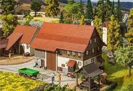 Bauernhaus 130558 Altes Bauernhaus Spur H0