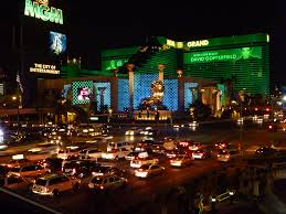 Casino Buffets In Las Vegas by Traffic In Front Of The Casino Mgm Grand Las Vegas Nevada
