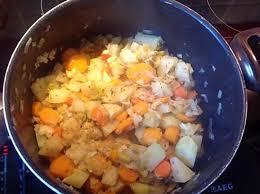 comment cuisiner le poireau a la poele recette de poêlée de chou carottes et poireaux