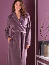 robe de chambre en velours femme hahn la robe de chambre en velours ras aubergine