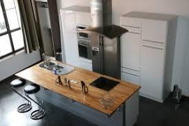 ilot central de cuisine avec évier et table de cuisson diy