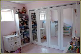 Mirrored Folding Closet Doors Bi Folding Closet Doors Home Design Ideas