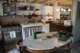 deco cuisine romantique photo maison de cagne sud romantique taupe d co photo deco
