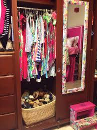 dorm closet like the shoe basket dorm room trends