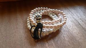 easy pearl bracelet images How to make pearl bracelets craft tutorials and inspiration jpg