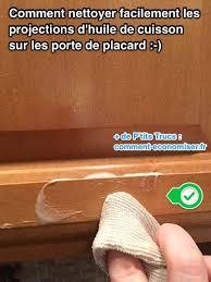 bicarbonate de soude dans la cuisine comment nettoyer facilement les taches de graisse sur les meubles de
