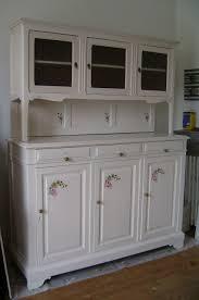 buffet de cuisine moderne meuble cuisine cher coucher decoration brico brut vaisselle blanche