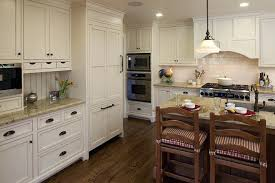 kitchen cabinets with knobs kitchen cabinet knobs and pulls houzz