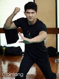 film laga yang dibintangi iko uwais flying iko uwais the martial arts pinterest films and movie