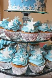Christmas Cake Decorations Frozen by Best 25 Frozen Cake Decorations Ideas On Pinterest Frozen Cake
