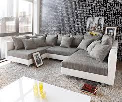 couch mit hocker wohnlandschaft landhausstil jenseits des glaubens auf dekoideen