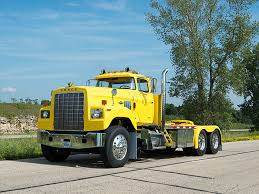 dodge semi trucks 1975 dodge 950 bighorn photo yellow truck dodge
