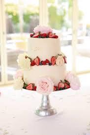 red velvet u0026 vanilla baked cheesecake wedding cake u2013 bakingyoubetter