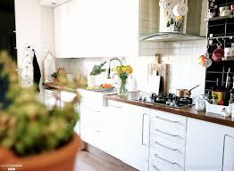 mur de cuisine luxe peinture pour mur de cuisine avec tableau coloré moderne