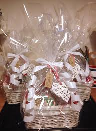 How To Make Gift Baskets How To Make Your Own Handmade Christmas Hampers Christmas Hamper