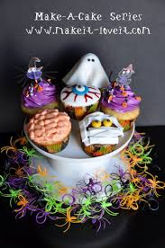 make a halloween cake make a cake series halloween cupcakes make it and love it