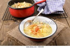 schottische küche fish potato soup cullen skink stockfotos fish potato soup cullen