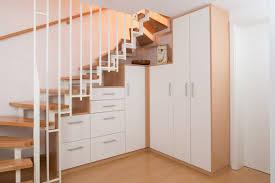 schrank unter treppe garderobe unter treppe atemberaubend auf inspirierende