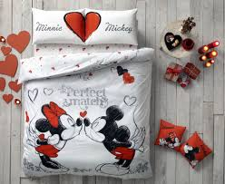 Mickey Mouse King Size Duvet Cover Amazon Com Disney Mickey U0026 Minnie In Love Queen Size Home