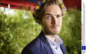 Top 5 Gaming Controversies Of 2014 Youtube - who exactly is pewdiepie youtube s most famous vlogger