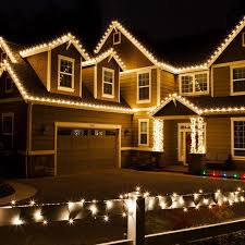 christmas lights on house best 25 christmas lights on houses ideas on colored