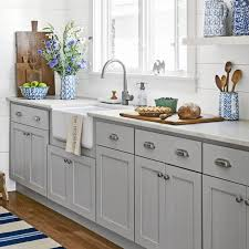 shaker style kitchen cabinet pulls 26 diy kitchen cabinet hardware ideas best kitchen cabinet