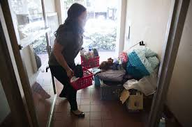 college students move off campus as room and board costs rise la