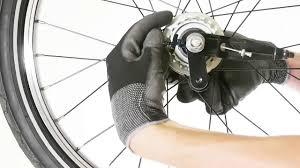comment changer chambre à air vélo comment changer la roue arrière sur un vélo pliant tilt