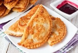 cuisine caucasienne cuisine caucasienne le tarte de cheburek avec de la viande et la