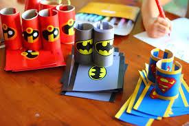 bricolage noel avec rouleau papier toilette déguisement super héros batman indestructibles superman facile diy