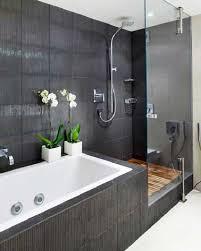 deco salle de bain avec baignoire idées déco pour une salle de bain grise salle de bains gris