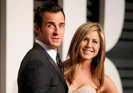 Jennifer Aniston Wedding Ring by Justin Theroux U0027loves U0027 His Wedding Ring After Jennifer Aniston