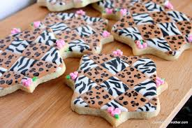 leopard and zebra print decorated cookie tutorial goodie