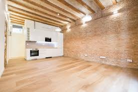 Premia Laminate Flooring Gotico Neighborhood Busto Real Estate