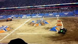 grave digger monster truck 30th anniversary monster jam 2017 carrier dome racing grave digger vs el toro loco