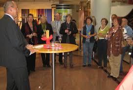 Sparkassenvorstand Klaus Knörr eröffnet die Ausstellung ... - 1804743_web