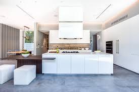 cuisine d architecte cuisine design blanche luxe cuisine moderne blanche sans poignee