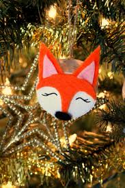 How To Make Adorable Wood Slice Christmas Ornaments Wood Slice Fox Christmas Ornaments Frugal Mom Eh