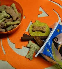 halloween pumpkin peanut butter dog treats recipe treatthepups