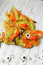easy halloween bark frankenstein fun momdot