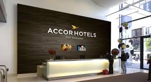 accor siege accorhotels profitera du mouvement de concentration le revenu