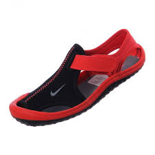 imagenes zandalias nike protege a tu ceón éste verano con las sandalias nike sunray