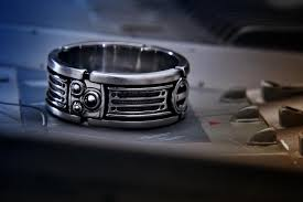 wars wedding bands wars lightsaber style wedding ring geektyrant