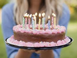 how to your birthday cake birthday freebies 88 restaurants that give free food on your