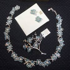 Pinset Hp 58 jewelry hp magnolia necklace earring pin set nwt