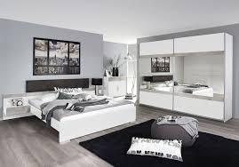 chambre contemporaine blanche lit adulte contemporain avec chevets suspendus blanc lit
