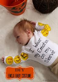 emoji halloween costume diy emoji baby costume for under 10 in under 10 minutes i dig